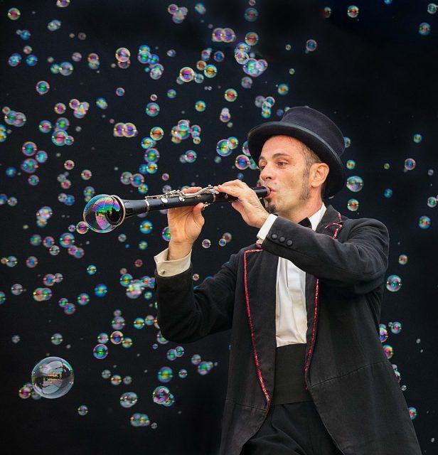 (公演中止)シャボン玉の魔術師ミケーレ・カファッジ